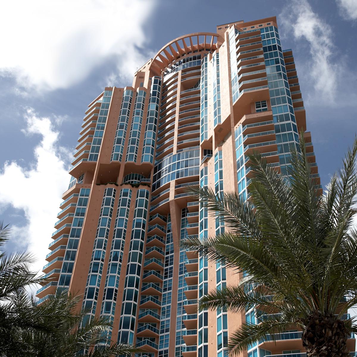 Tower House Miami Beach: Portofino Tower Miami Beach Florida
